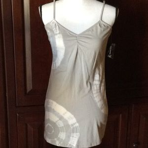 NWT INC International grey tank M